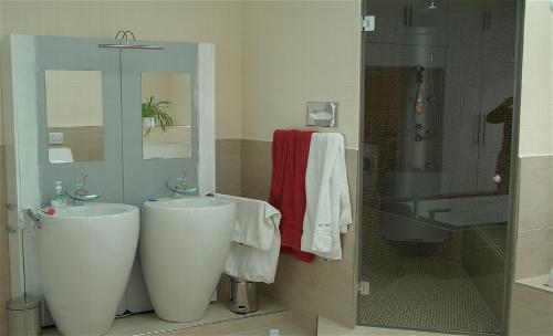 wc schamwand skizze mit urinale mit maangaben fr und contentbild planen with wc schamwand. Black Bedroom Furniture Sets. Home Design Ideas